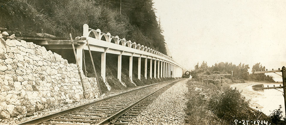 A train passes a viaduct in 1914