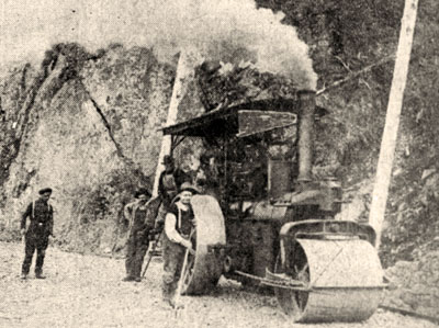 A steam roller in 1920