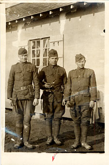 Pvt. George Carter (center) of The Dalles
