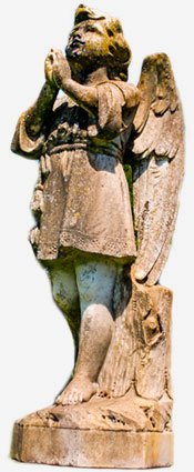 statue of praying angel