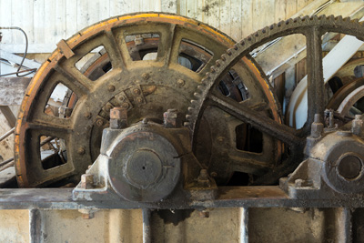 machine gears up close